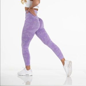 NVGTN Xsmall Lilac Camo Seamless Leggings